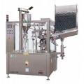 Zařízení pro plnění a zavírání tub AXO 900